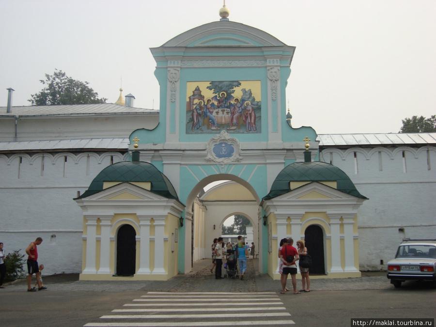 Кострома.Ипатьевский монастырь. Входные ворота.