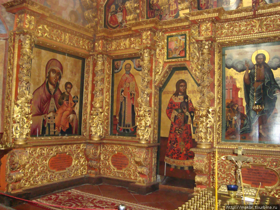 Кострома. Иконостас Троицкого собора.