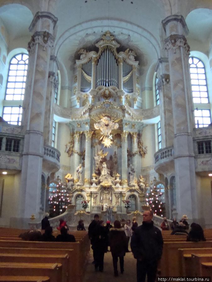 Дрезден. Интерьер церкви Фрауенкирхе.