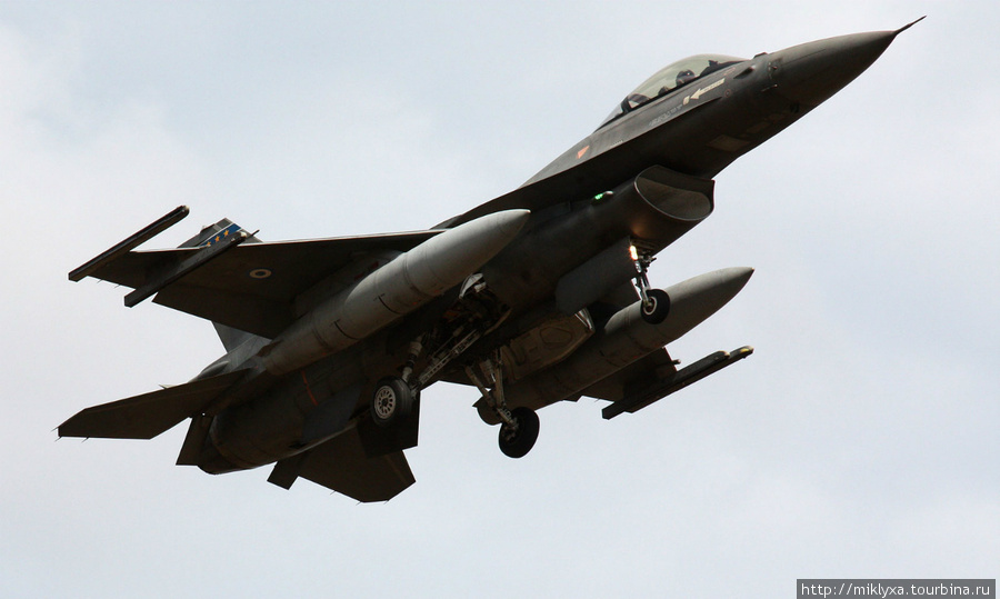 F16 in International Airport of Chania