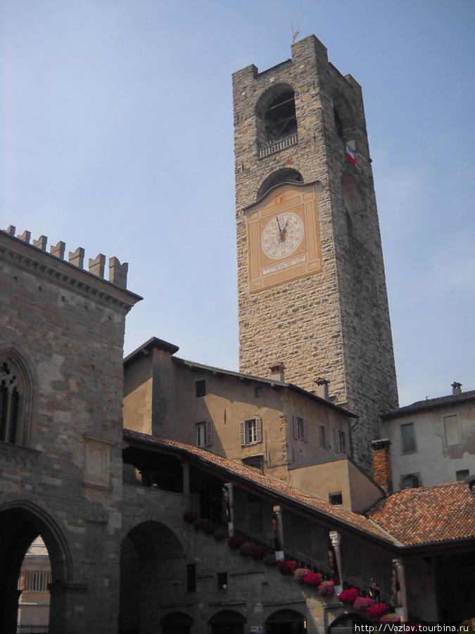 Башня комплекса