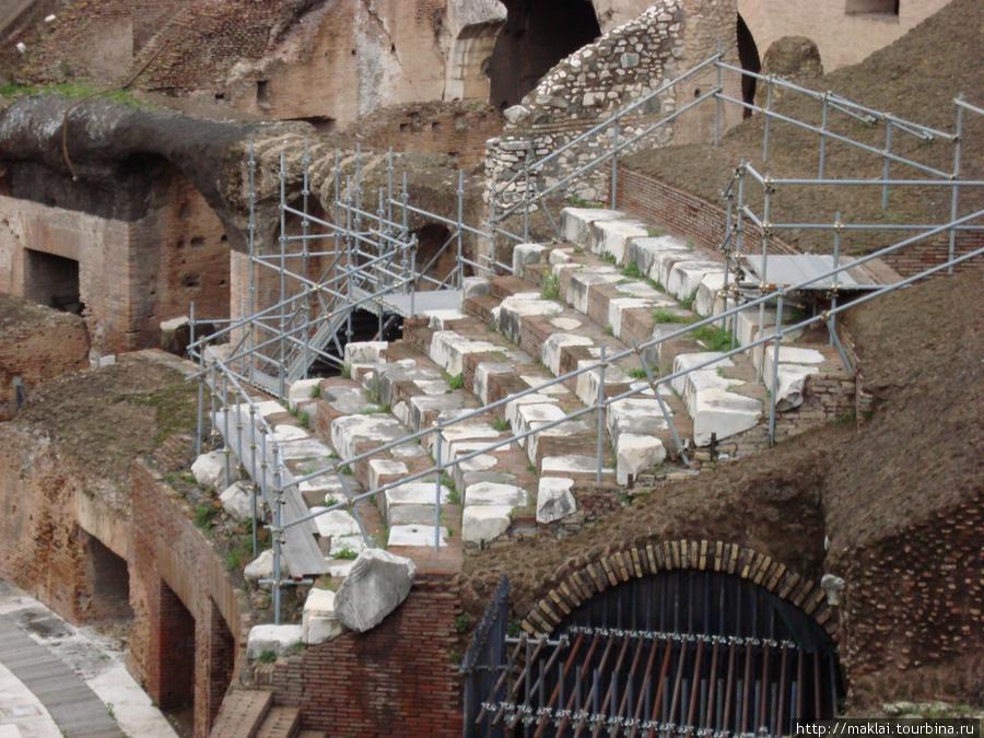 Рим. Колизей. Реконструкция мест для зрителей.