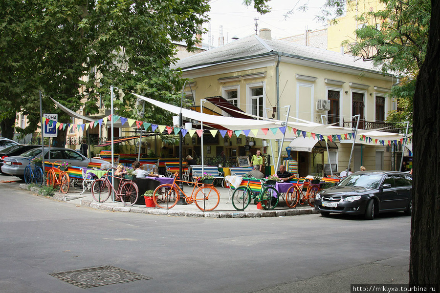 одно из кафе в старом городе