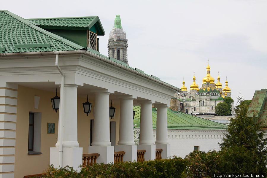 Приёмная Киевской митрополии (Дом блюстителя Дальних пещер)