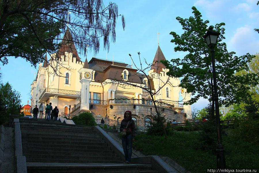 Киевский академический театр кукол