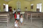 А это их школа, она же, собственно, и церковь
