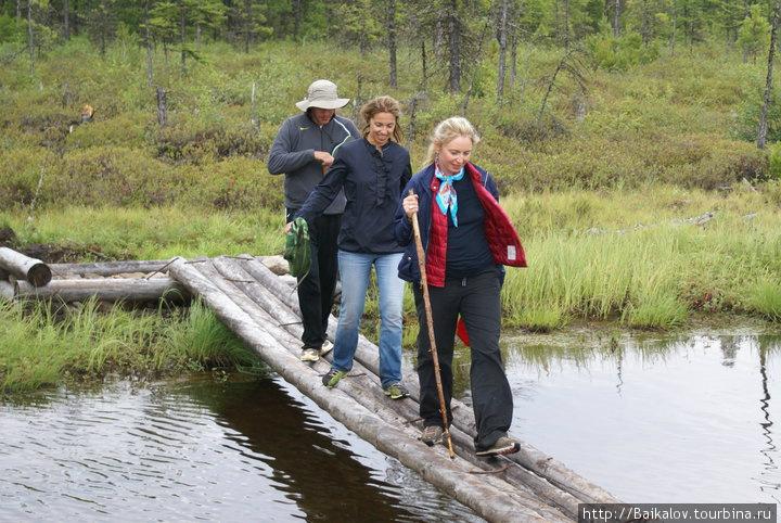 До озера ведет тропа — часть Большой байкальской тропы, которую ежегодно строят волонтеры со всего мира