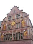 Здание в росписях