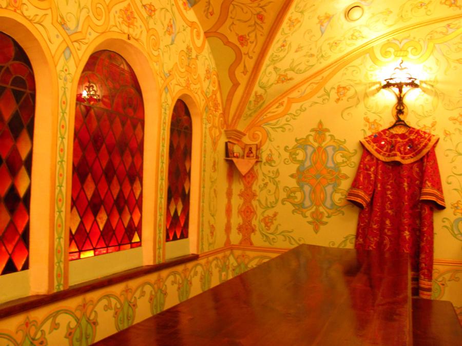 Дегустационный зал напоминает боярские палаты :)