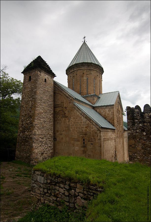 Церковь и башня