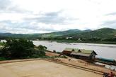 Меконг. На той стороне Лаос