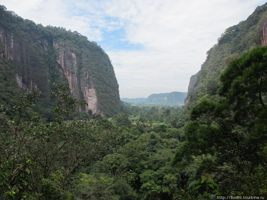 Фото Паданга и Harau Valley Паданг, Индонезия