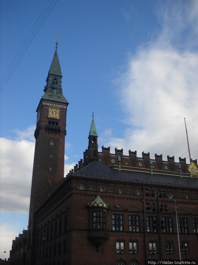Ратуша и её башня