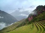 На склонах Священной горы, окружающей  селение Писак,  сохранились многочисленные террасы, на которых жители древнего писака выращивали обильные урожаи кукурузы