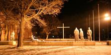 Рядом с собором — большое мемориальное кладбище, где похоронены финские солдаты, погибшие во Второй мировой войне.