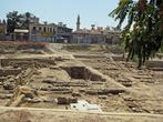 набрели на какие-то раскопки (старые не живописные фундаменты, интересные только археологам)