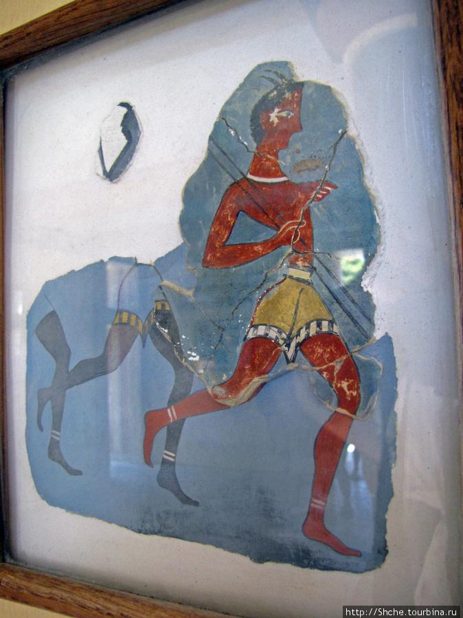 В отдельном зале мы наблюдали перенесенные фрагменты фресок...