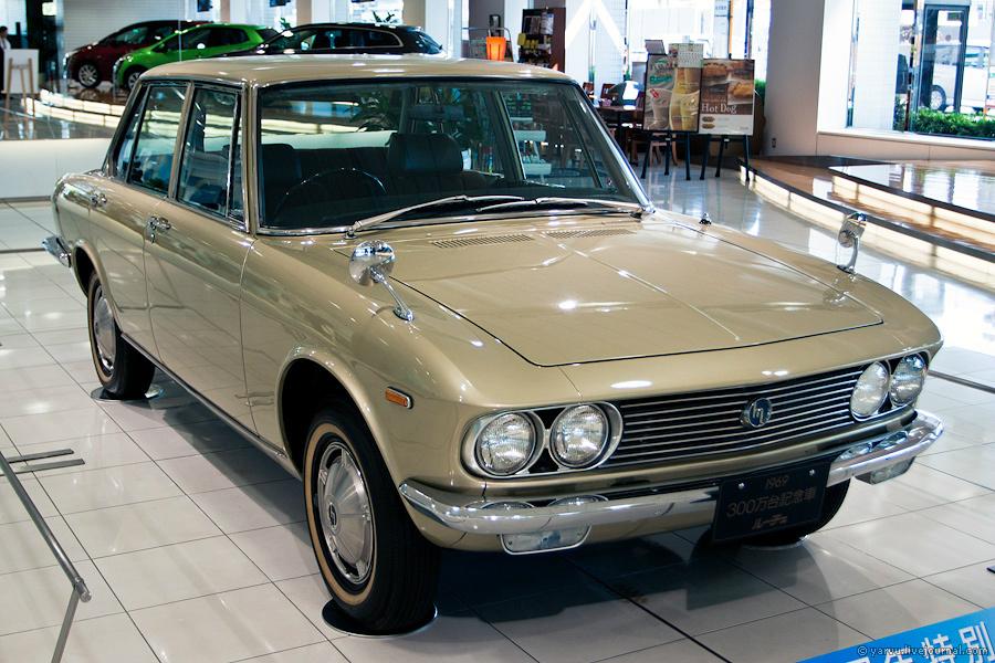 Mazda Luce 1969 года. Флагманская модель компании выпускалась до 1991 года (с модификациями, разумеется).