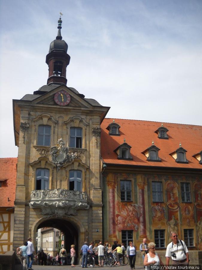 Башня и росписи