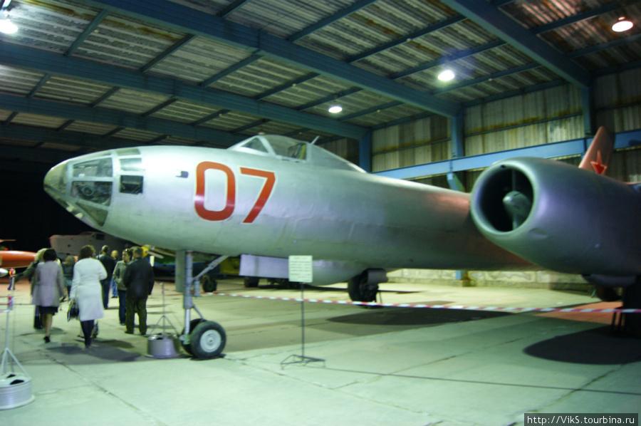 ИЛ-28. Советский фронтовой бомбардировщик.
