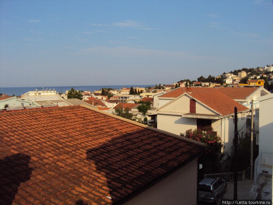 Вид с балкона номера на море