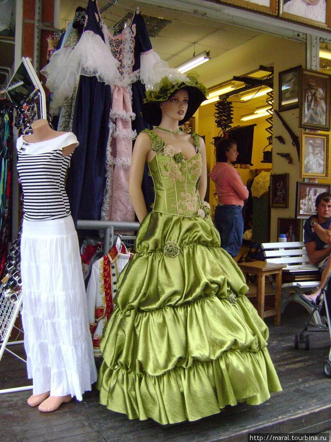 Вот подходящее платье, чтобы перенестись в роматический век