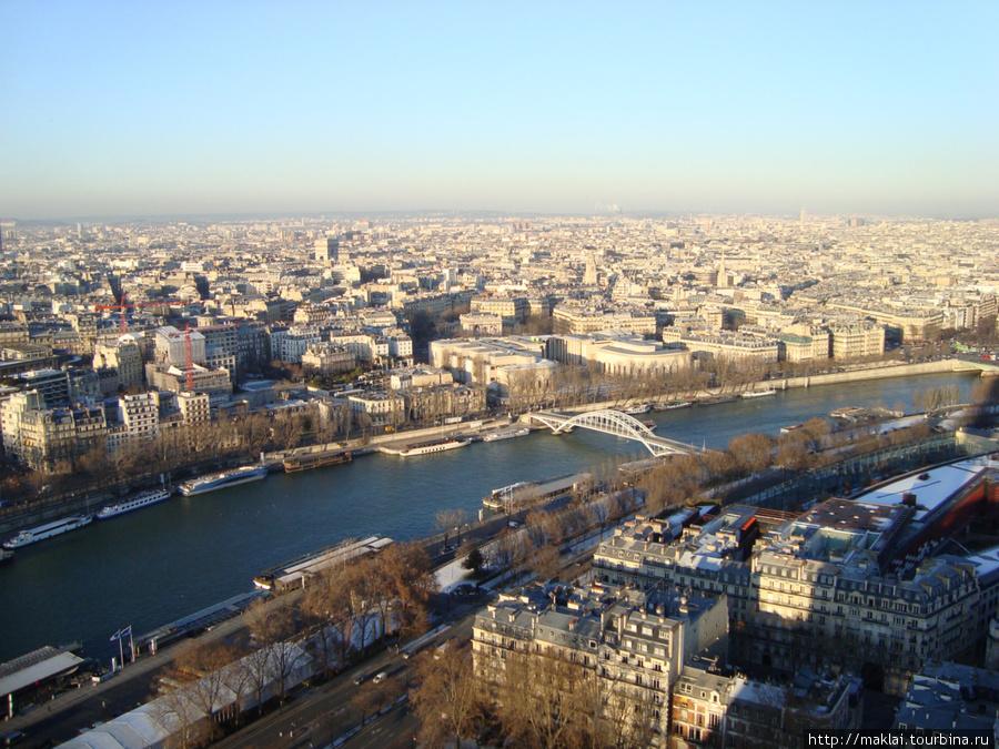 Париж. Вид на Сену с Эйфе