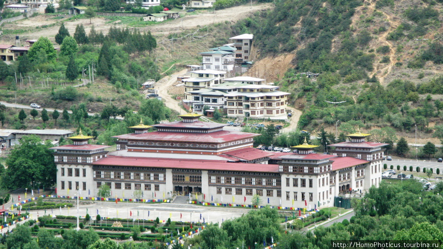 Тхимпху, скромная летняя резиденция короля