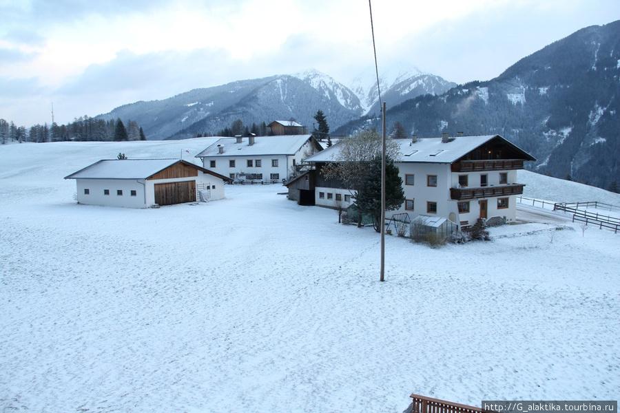 Вид из окна, альпийские домики