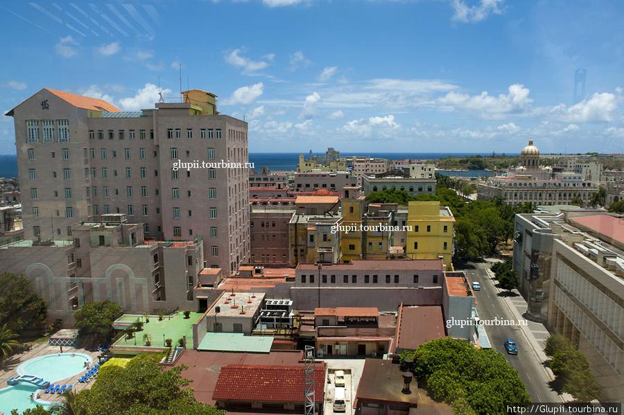 Вид с крыши на Гавану.