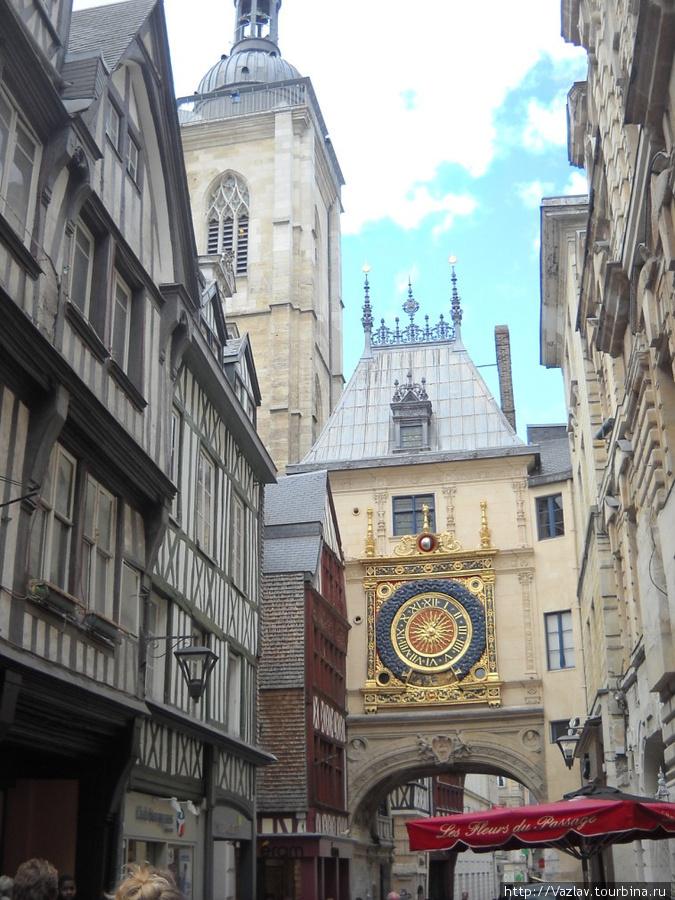 Часы и башня