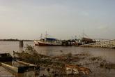 Парамарибо — портовый город. Но набережная реки Суринам не производит особого впечатления.