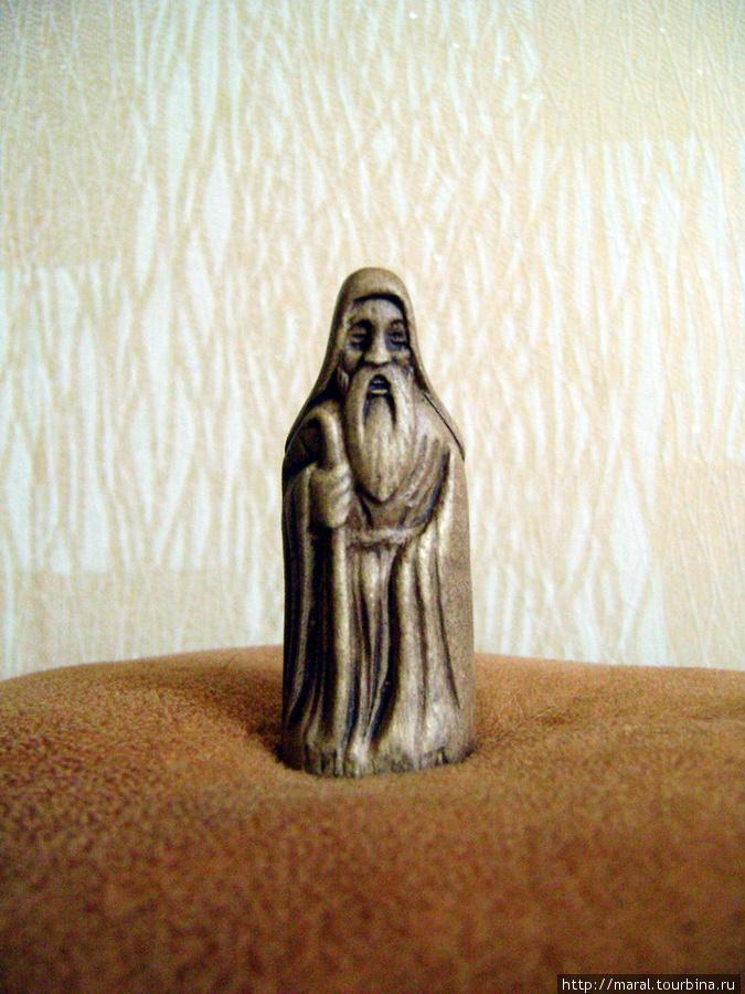 Может быть, этот монах из монастыря Аладжа знает то, что другим неведомо?