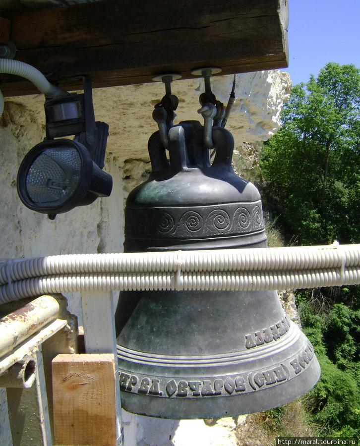 Благодаря этому колоколу монастырь вновь обрёл утраченный было звучный голос