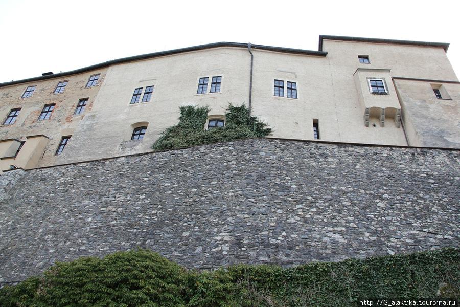 Крепосная стена Замка Штейнберг