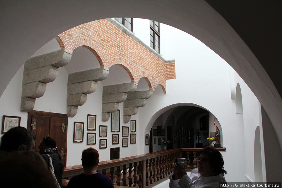 Балкончик внутри замка.