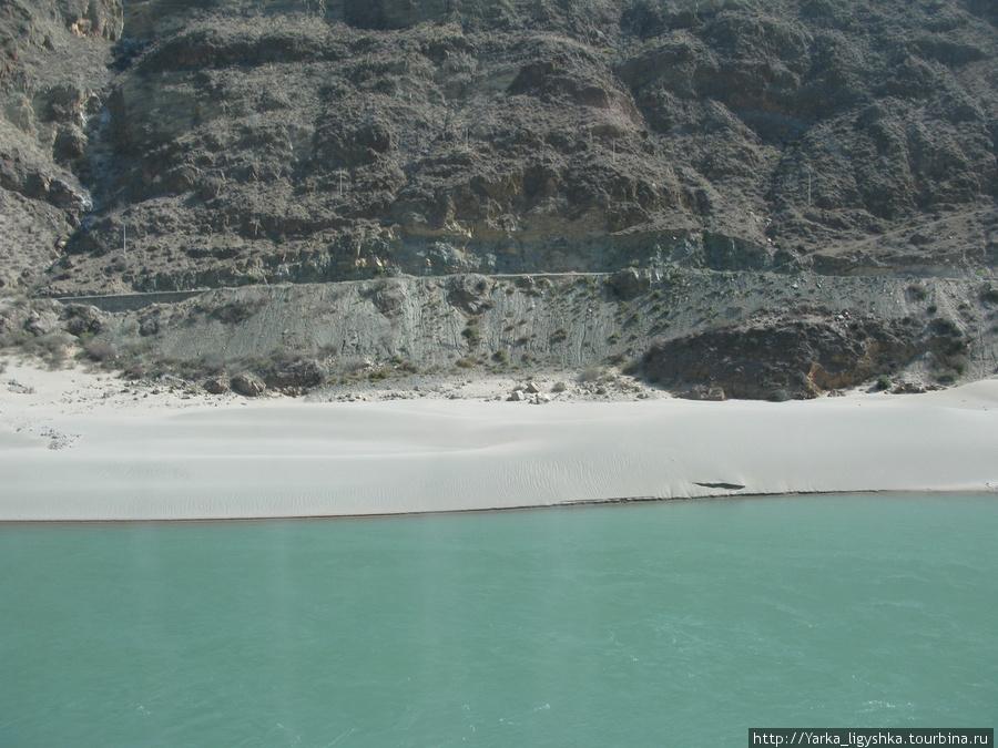Реки офигенского цвета Децин, Китай