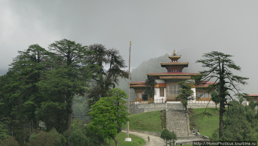 Перевал Дочула. Храм
