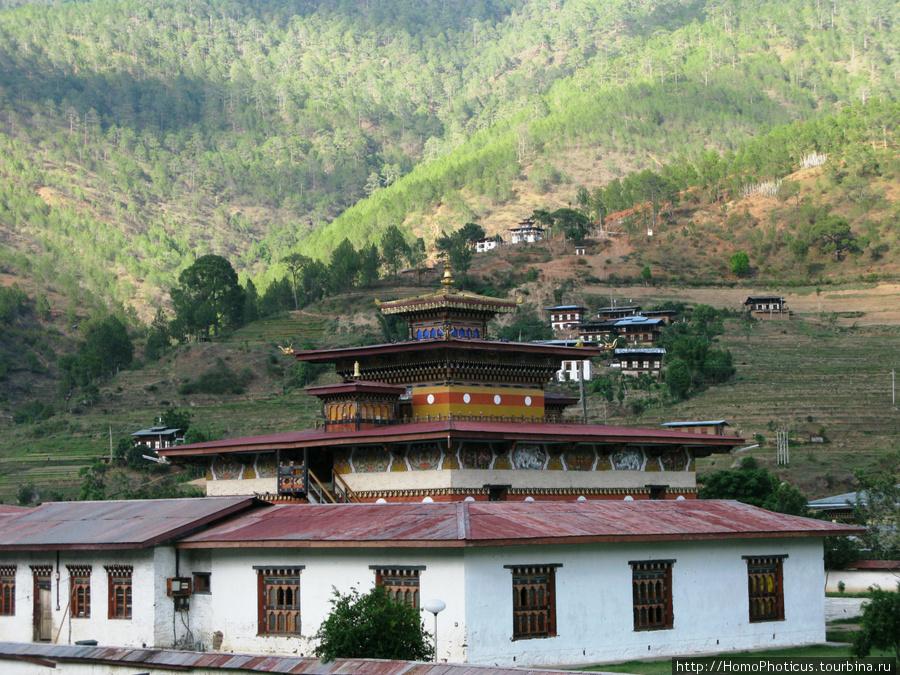 Храм в Пунакхе