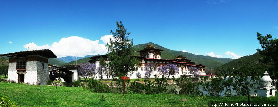 Друк Пунгхтанг Дечен Пходранг, дворец великого счастья , он же Пунакха Дзонг,