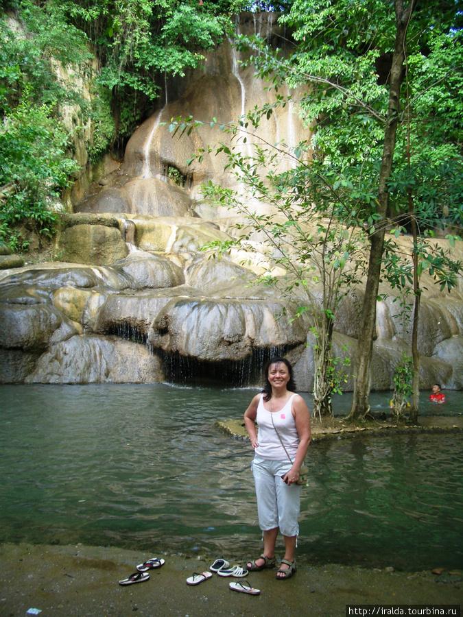 Общение с животным миром Таиланда сменяется на восхитительный природный пейзаж – водопад Сайок Ной. Здесь можно и покупаться и отдохнуть и полюбоваться прекрасными видами.
