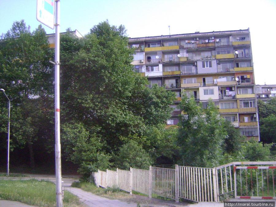 Такие панельные дома делают Варну похожей на любой более или менее крупный российский город
