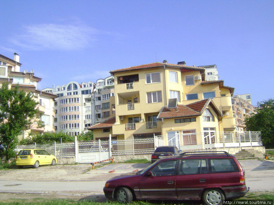 Предместье Варны со стороны Золотых Песков — престижный район вилл и апартаментов