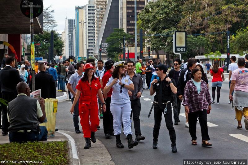 Самый большой в мире гей-парад. Сан-Паулу, Бразилия. Сан-Паулу, Бразилия