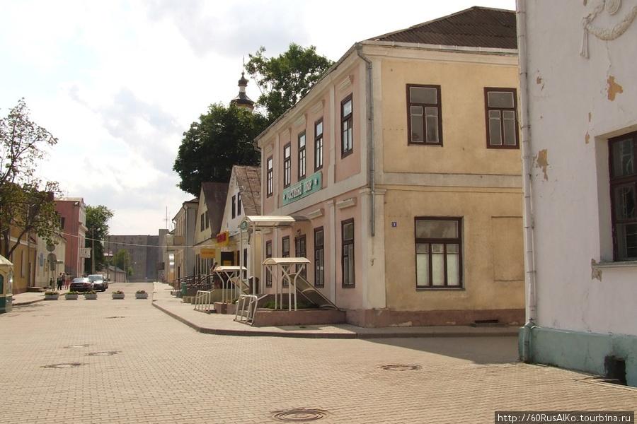 http://im2.tourbina.ru/photos.3/5/9/595008/big.photo/2008-Iyul-Novogrudok.jpg