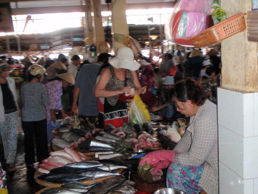 клумбы дерева рынок вещевой во вьетнаме фото рассказала